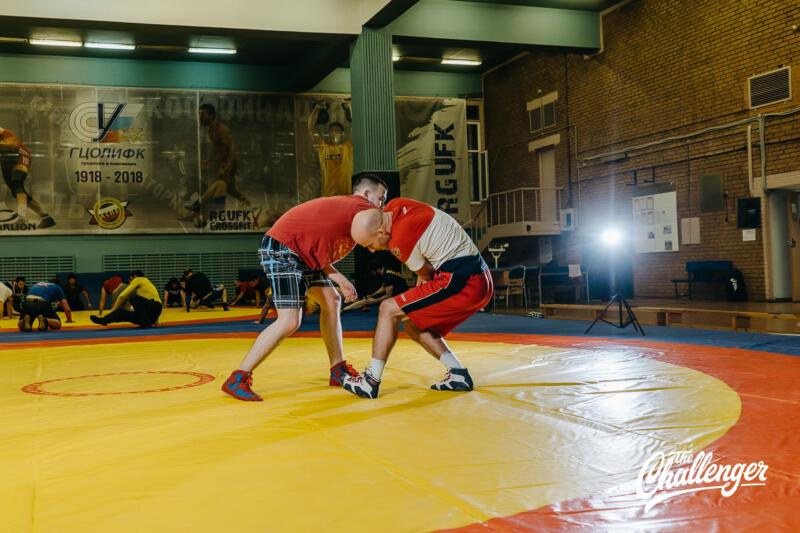 Тренировка для тех, кто хочет освоить навыки самообороны: 6 захватов из вольной борьбы. Изображение номер 7