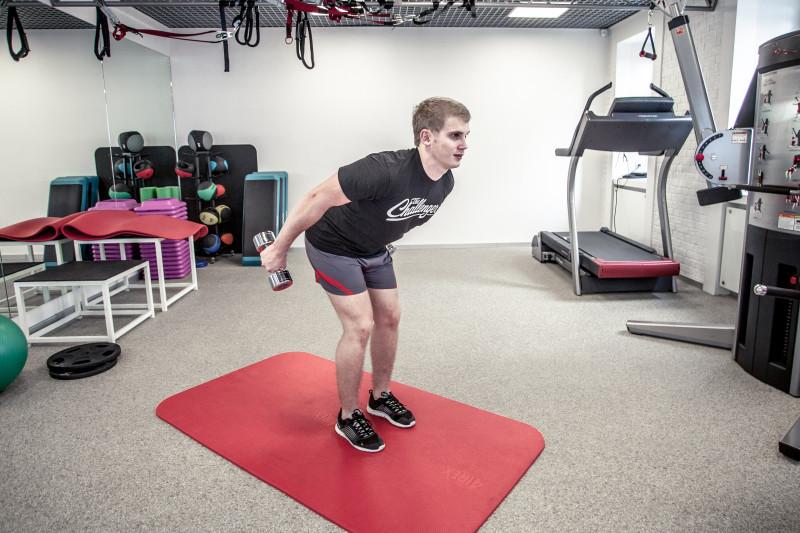 Тренируем трицепсы: 5 упражнений, которые легко выполнить даже дома. Изображение номер 10