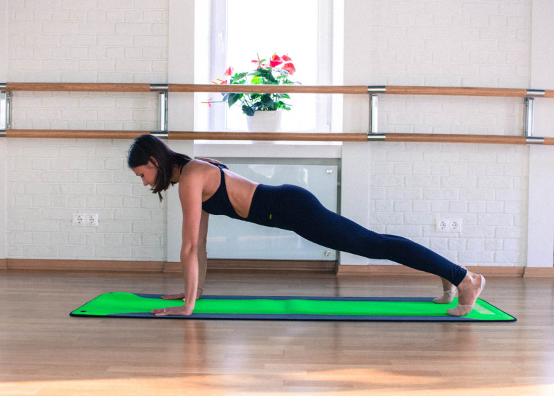Упражнения, которые помогут справиться с похмельем. Изображение номер 3