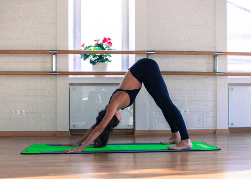 Упражнения, которые помогут справиться с похмельем. Изображение номер 6