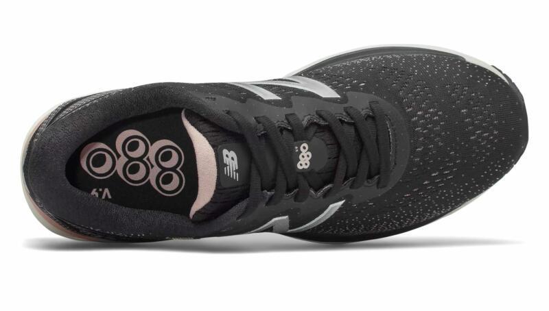 В чём бегать осенью и зимой: 7 утеплённых моделей кроссовок. Изображение номер 9