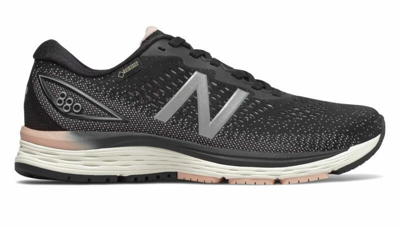 В чём бегать осенью и зимой: 7 утеплённых моделей кроссовок. Изображение номер 8
