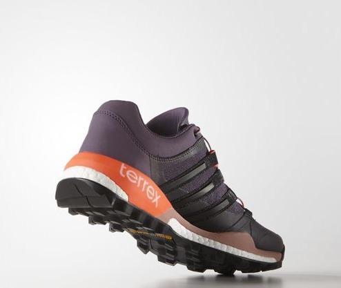 В чём бегать зимой: 5 пар самых удобных кроссовок. Изображение номер 6