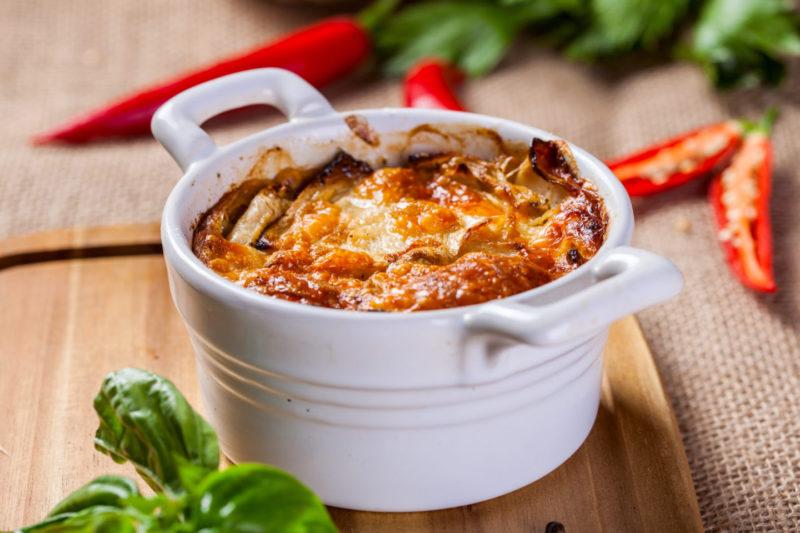 Изображение рецепта Ленивый гратен из корня сельдерея с рваной говядиной