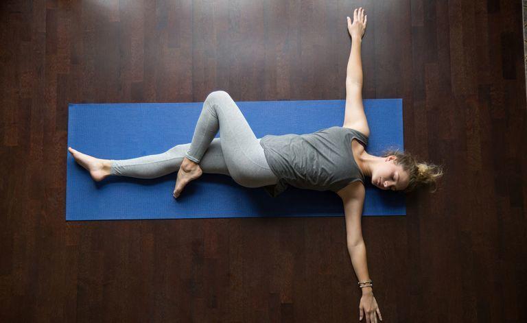 10 простых упражнений для тех, у кого болит спина